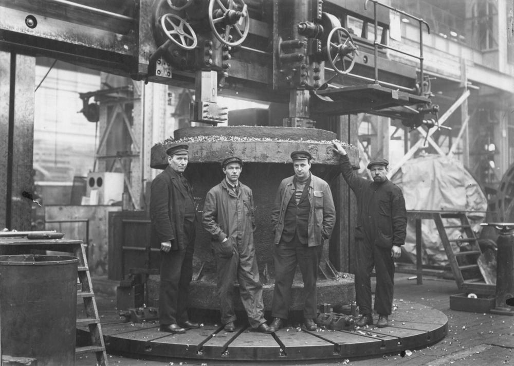 Выполнение заказа для Днепровской ГЭС. 1931 год