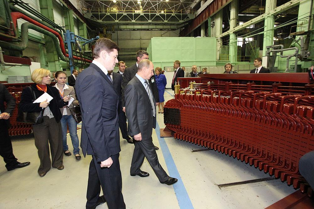 Визит Владимира Путина на завод «Электросила»